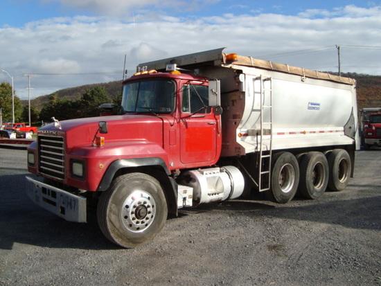 (Unit #7-67) 1999 MACK Model RD688S Tri-Axle Dump Truck, VIN# 1M2P270C8XM04