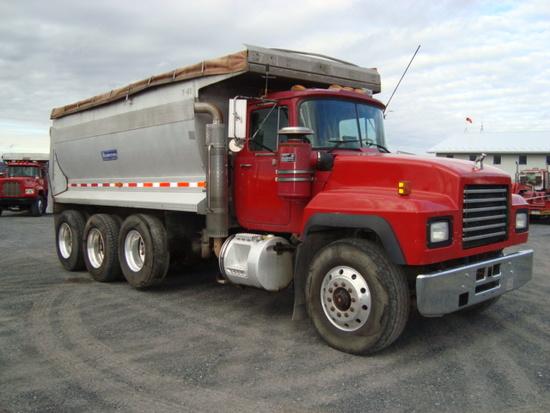 (Unit #7-61) 1998 MACK Model RD688S Tri-Axle Dump Truck, VIN# 1M2P270C1VM03