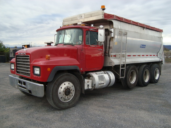 (Unit #7-64) 1997 MACK Model RD688S Tri-Axle Dump Truck, VIN# 1M2P270C7WM03