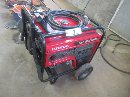HONDA 6500 Watt Gas Powered Generator (RUNS WELL)