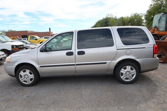 08 Chevrolet Uplander  Subn GY 6 cyl  Started on 9/21/21 AT PB PS R AC PW VIN: 1GNDV23W48D183283; De
