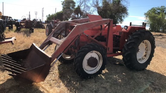 Allis Chalmers 50/50 4x4 tractor with loader