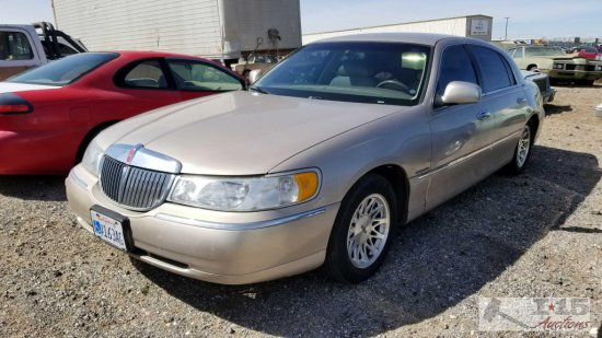 1998 Lincoln Town Car Signature Tan Current Smog