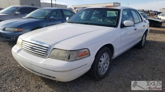 2003 Ford Crown Victoria LX White Current Smog
