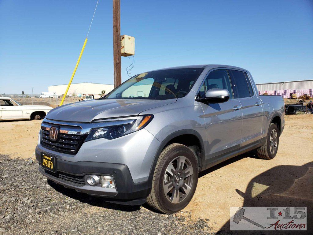 2017 Honda Ridgeline AWD Silver, 1 Owner Truck!! ONLY 11,XXX MILES!!! CLEAN AUTO REPORT!!!