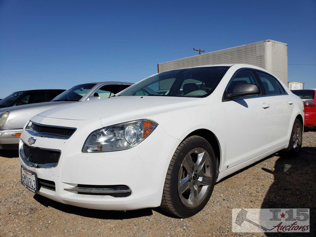 2009 Chevy Malibu White (CURRENT SMOG), CLEAN AUTO REPORT!!!