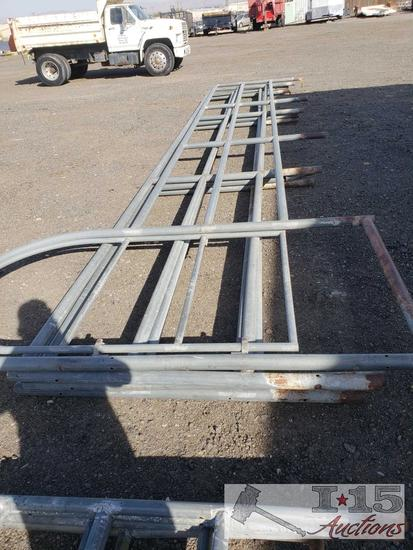 """4 23' 9"""" Steel Corral Panels. 1 with Gate Opening"""