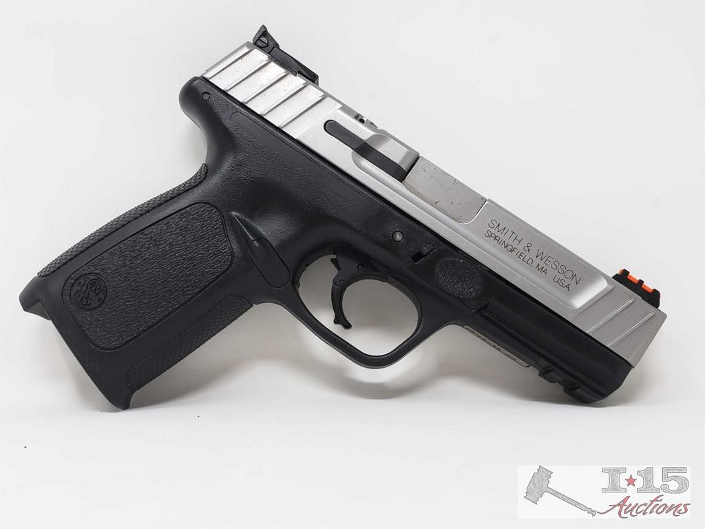Smith & Wesson SD40 VE .40 Cal, No Magazine