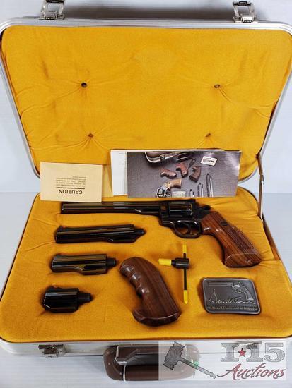 Dan Wesson .357 Mag Revolver, Pistol Pack