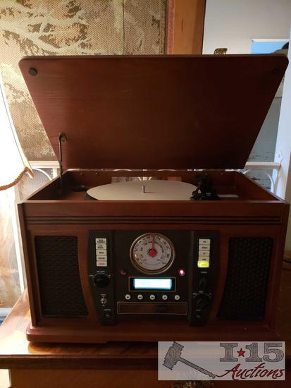 Innocative Technology Record Player/AMFM Radio