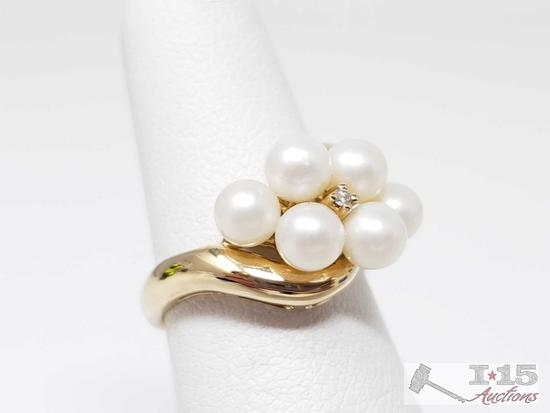10k Gold Ring with Pearls and a Diamond, 3.5g