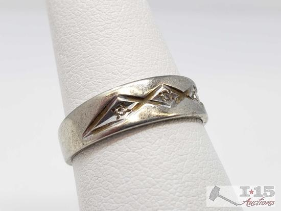10k White Gold Men's Band with Diamonds