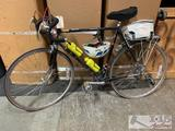 Vintage Le Tour sries Schwinn road bike with accessories! TURNS ON