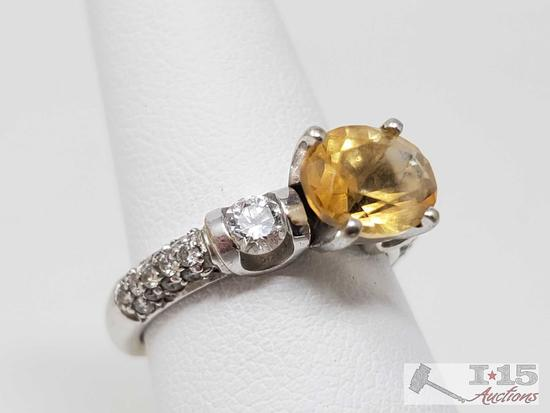18k Gold Ring with 1.5ct Center Stone and Accent Diamonds, 6.2g