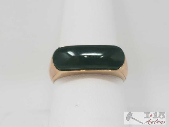 18k Gold Ring w/ Jade Stone 5.9g