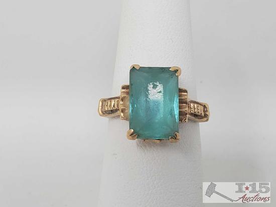 14k Gold Ring w/ Blue Gem 3.71g