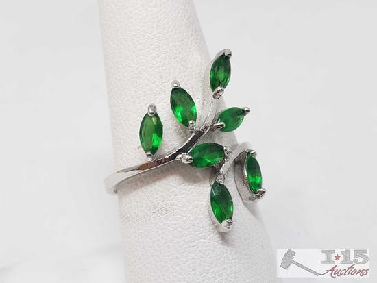 10k Seven Green Semi Precious Stones, 2.6g