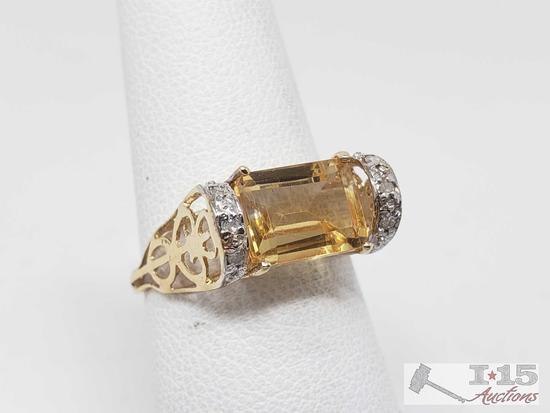 10k Gold Topaz Ring, 1.7g