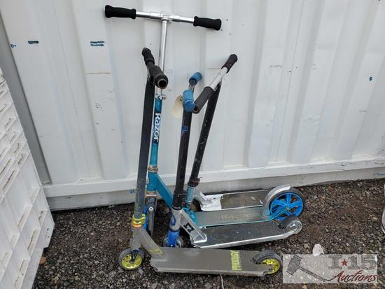 Prodigy, AO and 2 Razor Scooters