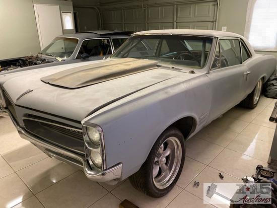 1966 Pontiac Tempest 2-Door Sedan