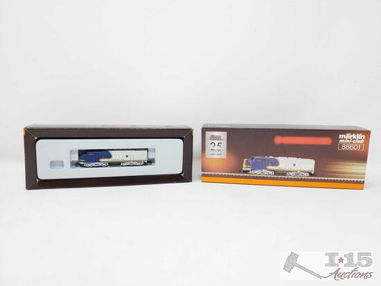 Marklin Mini-Club Z Scale Sante Fe Locomotive in Box - 88601