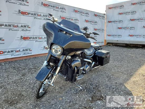 2015 Harley-Davidson FLHXSE Street Glide CVO