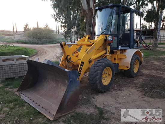 1998 JCB 407B Tractor.. Please watch Running Video