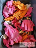 Tote of Noble Outfitters Gloves