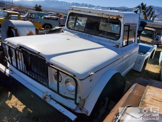1969 Kaiser Jeep M715 Tow Truck 4X4 1-1/4 Ton