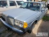 1979 Mercedes-Benz 300D (Key in Ignition)