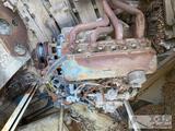 Ford V-8 Engine with v-8 Block