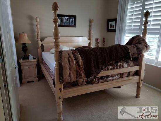 Wooden 4- Piece Bedroom Set