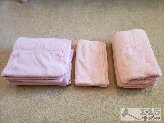 7 Pink Bath Towels