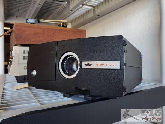 Sawyers Automatic Focus Projector