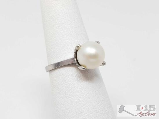 10k Gold Pearl Ring- 2.3g