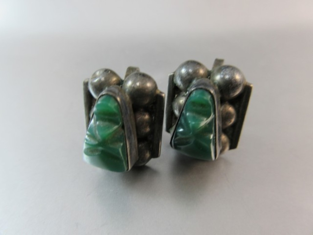 Vintage Green Onyx Stone Scab     Auctions Online | Proxibid