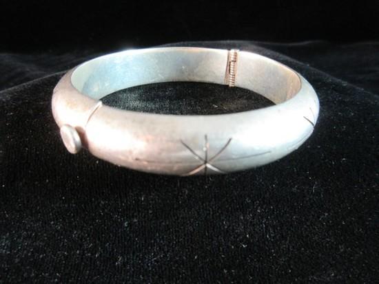 Vintage Sterling Silver Bangle Style Bracelet. Needs Minor Filing See Pictu