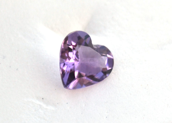 0.95 Carat Top Quality Amethyst Heart
