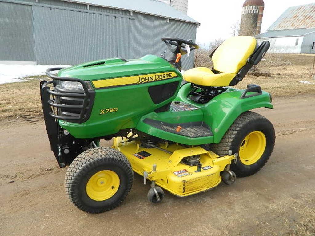 2015 John Deere X730 Riding Lawn Tractor