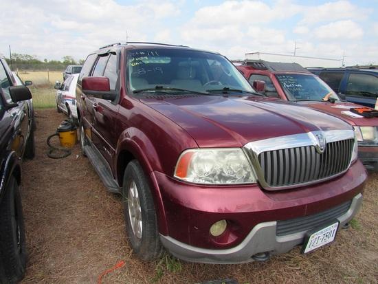 2004 Lincoln Navigator Red