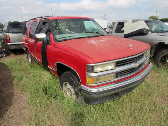 1999 Chevy Tahoe Red