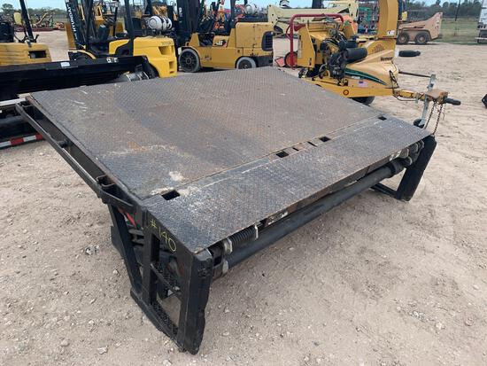 Cut off platform with Tommy lift gate