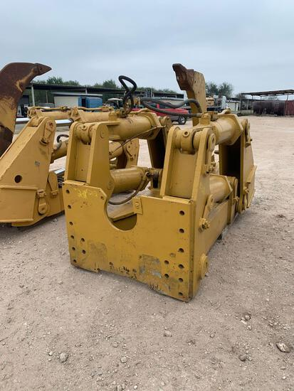 Caterpillar D9 4-Barrel Ripper with Single Shank & Bracket