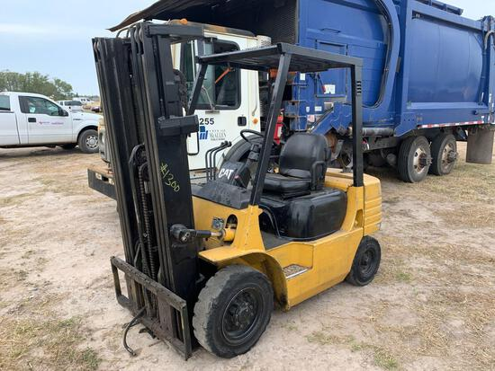 2000 Caterpillar Forklift Model GP-25,