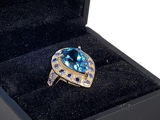 10kt yellow gold ring 6.50 CTW 5.50 blue topaz and 1.00 ct tanzanite