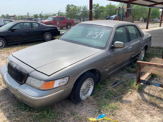 1999 Mercury Grand Marquis Passenger Car, VIN # 2MEFM75WXXX718072