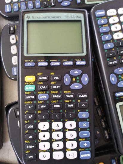 (37) Calculators Ti-83 Plus