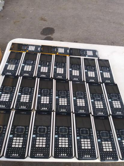 (24) Calculators Ti-nspire CX