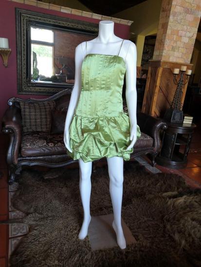 NIGHT DRESS. BRAND LET'S FASHION. SIZE M. PRICE $235