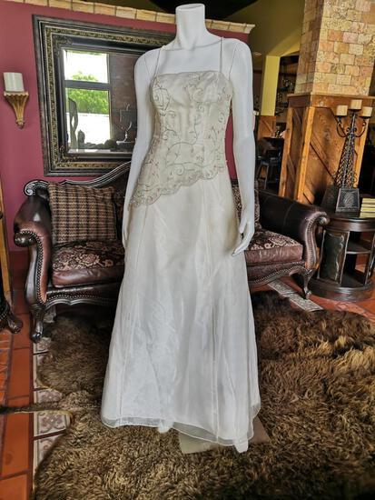 NIGHT DRESS. BRAND JUMP APPAREL. SIZE M. PRICE $250